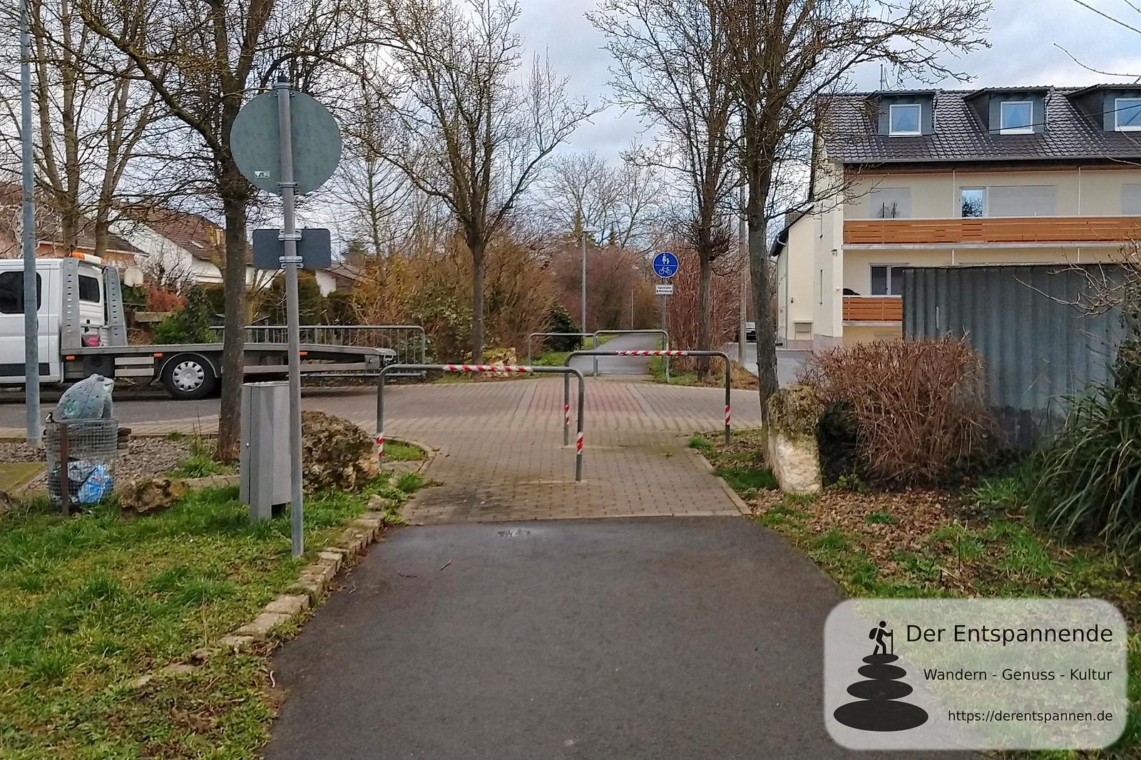 Radweg über Bergstraße in Selzen (K 37, Bahnhofstr.), ehemalige Bahnstrecke Alzey-Bodenheim (Amiche)