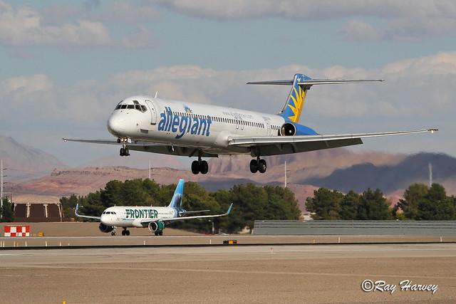 N862GA landing LAS