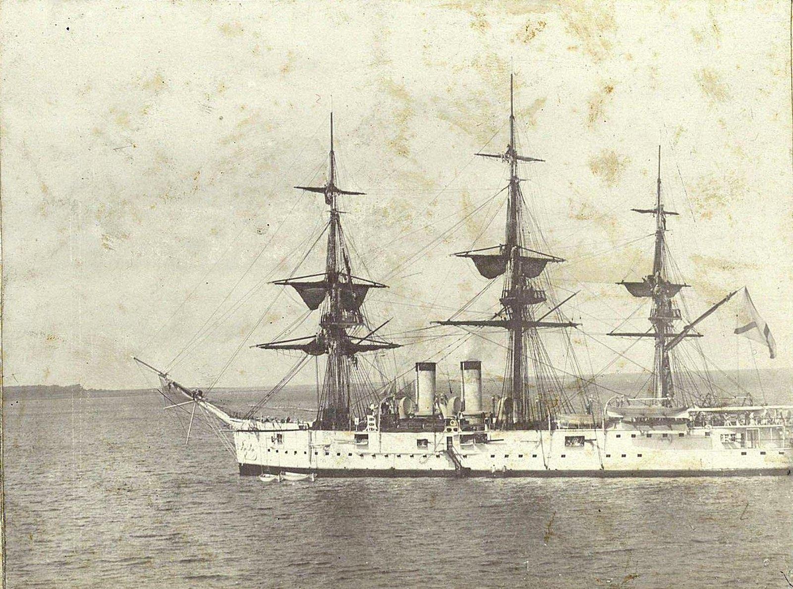 Корабль в море (1)