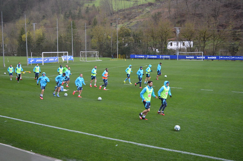 Day 5 | SD Eibar first team get training underway