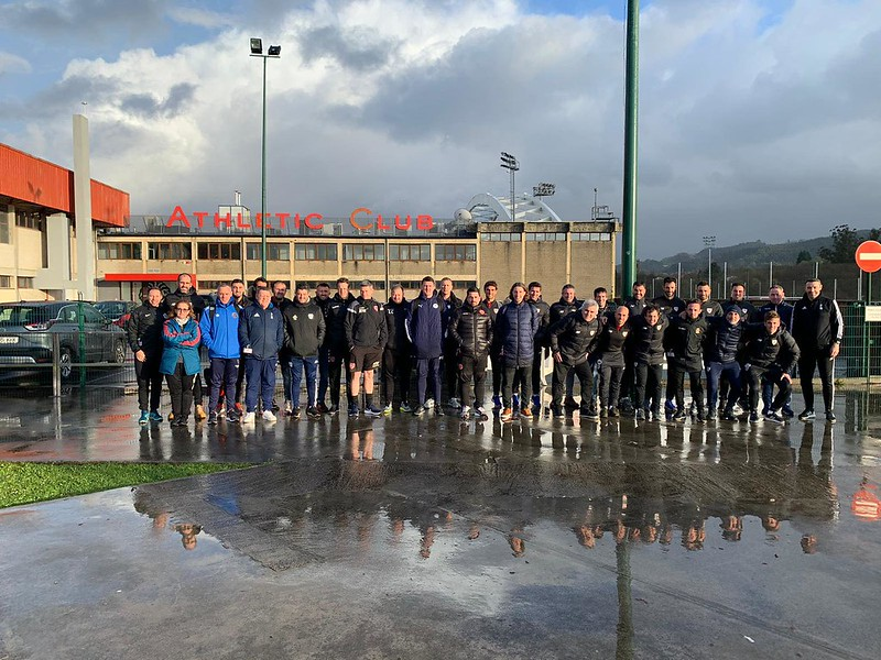 Day 1 | Coaches & Athletic Bilbao staff pose outside the training ground