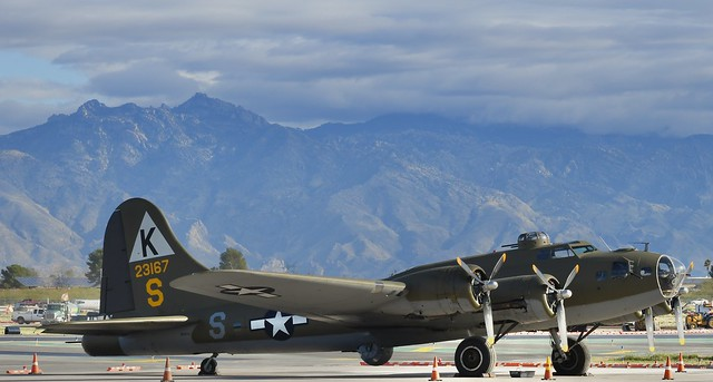 N3701G BOEING B-17G,  Tucson AZ (TUS/KTUS)