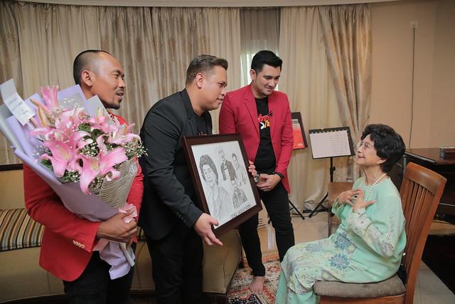 Momen Geng Pagi Hot Bersama Tun Dr. Siti Hasmah