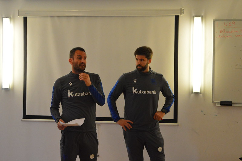 Day 4 | Real Sociedad Coaches discusses his session plan for afternoon training 2