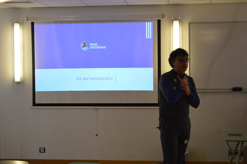 Day 4 | Real Sociedad Head of Academy Luki Iriarte leads an open forum 1