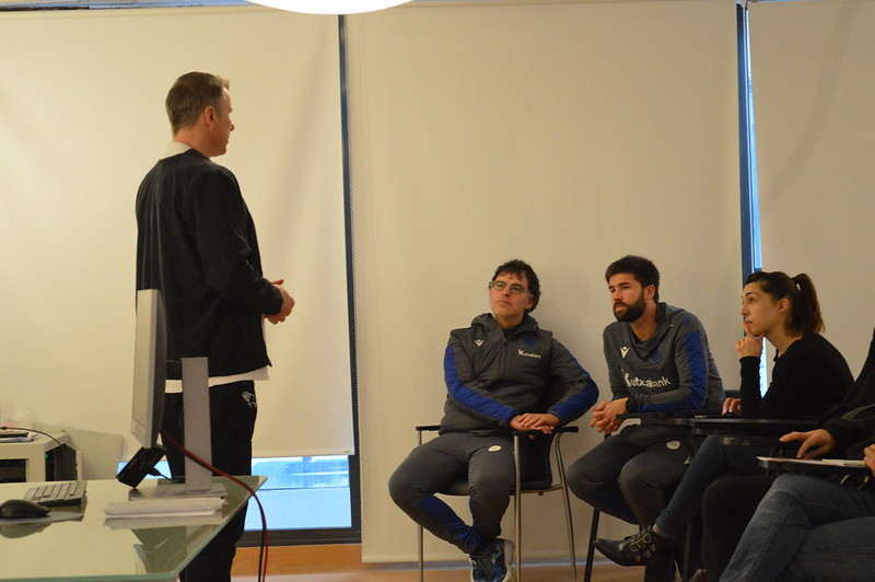 Day 4 | Derby County Goalkeeper Coach Jason Pearcey introduces himself to Real Sociedad staff