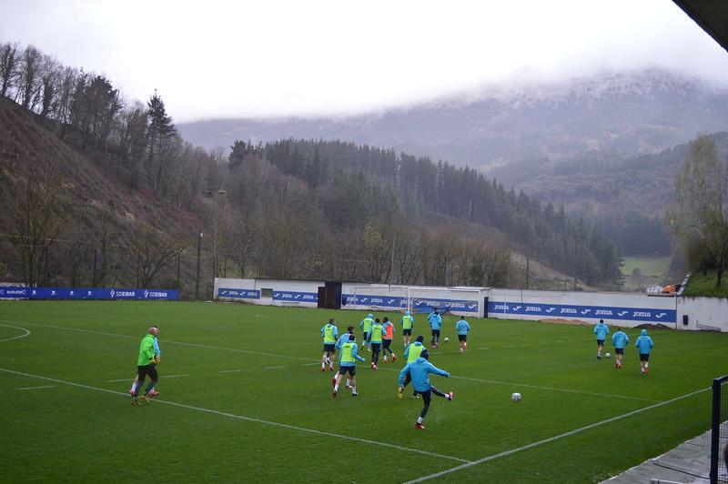Day 5 | SD Eibar first team training warm up