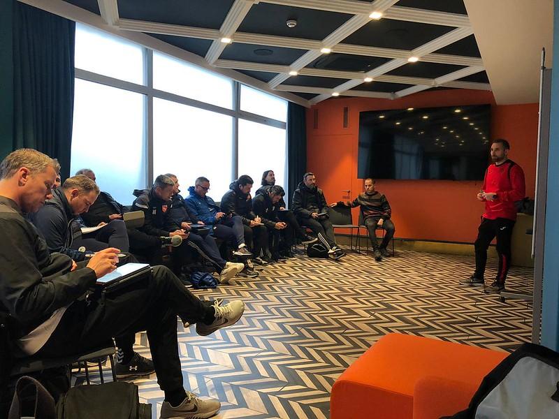 Day 5 | SD Eibar Head of Methodology Jordi Clares leads an interactive meeting 1
