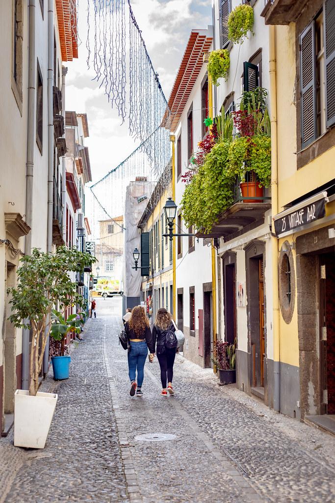 A walk down Rua de Santa Maria