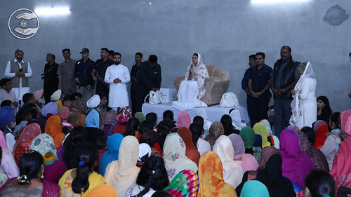 Satguru Mata Ji blessing the devotees of Longowal Bhawan