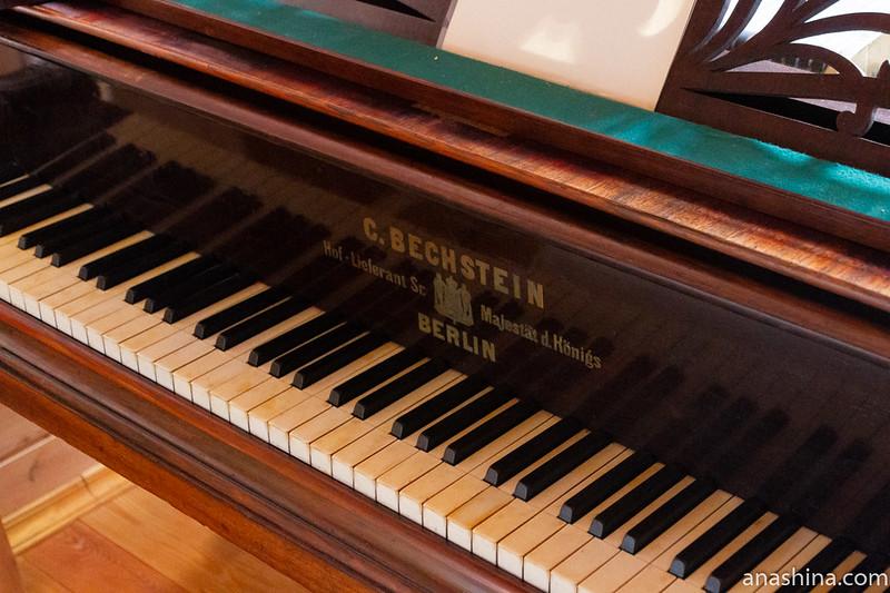 "Концертный рояль К.Бехштейн (C.Bechstein) 1872 года, музей-усадьба ""Семья роялей"" Владимира Виноградова"