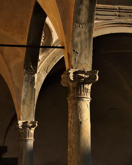 Second cloister, Brunelleschi/Rossellino, 1453 - Basilica di Santa Croce, Florence..
