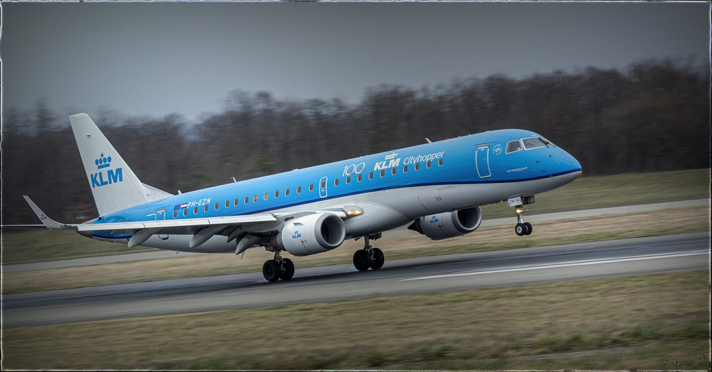 Embraer E190STD landing at EuroAirport Basel-Mulhouse-Freiburg