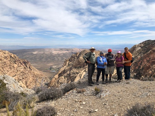 Nevada - Bootleg Spring in Lovel Canyon view - hiking group