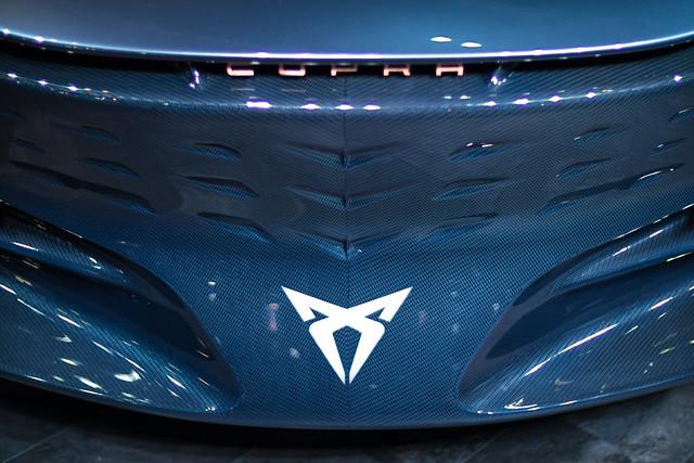 Cupra logo on the front spoiler