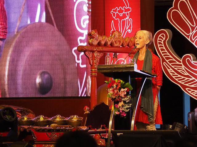 r. Jennifer Lindsay dari The Australian National University salah seorang pembicara di Simposium Internasional Kraton Jogja