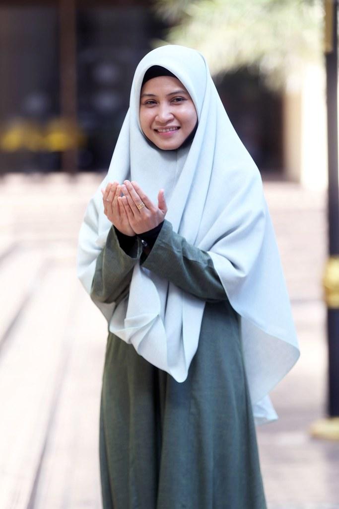 Ustazah Asma sebagai pengacara Program Tausiyah Ustazah Asma dalam TVAlhijrah.