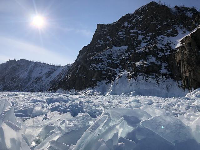 Cabo Khoboy al norte de la isla de Olkhon (Lago Baikal, Rusia)