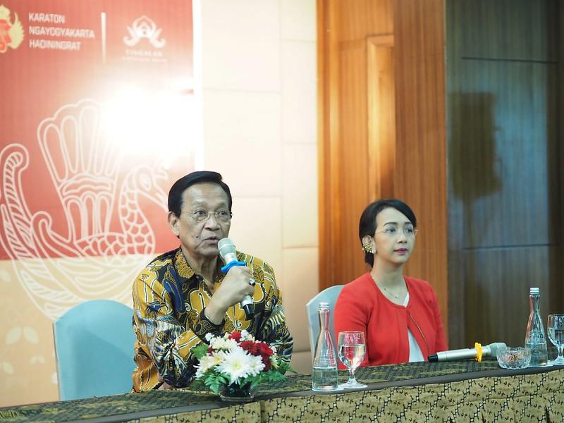 Sri Sultan HB X membuka Simposium Kraton Jogja