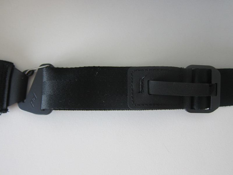 Peak Design Everyday Sling (5L) - Quick-pull Strap Adjustment