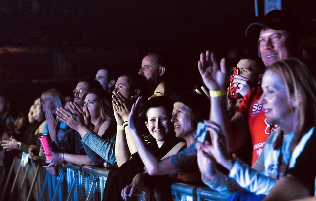 Crowd(1)