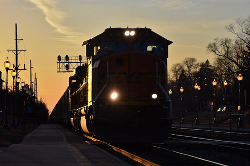 bnsf sd70mace 9748 westmont