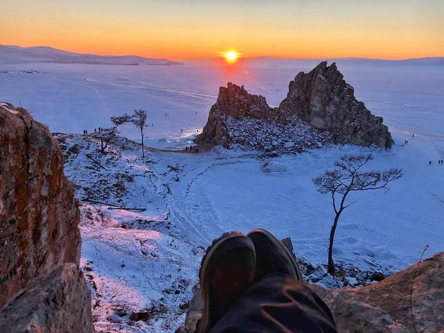 Atardecer en la roca del chamán (Lago Baikal, Rusia)