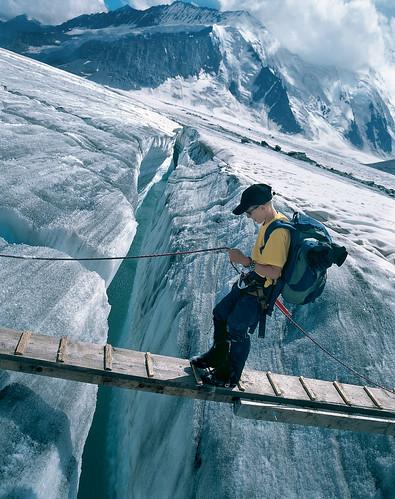*Přes ledovec vedou turistické trasy. Je to krásný zážitek vydat se na ledovcovoutúru*