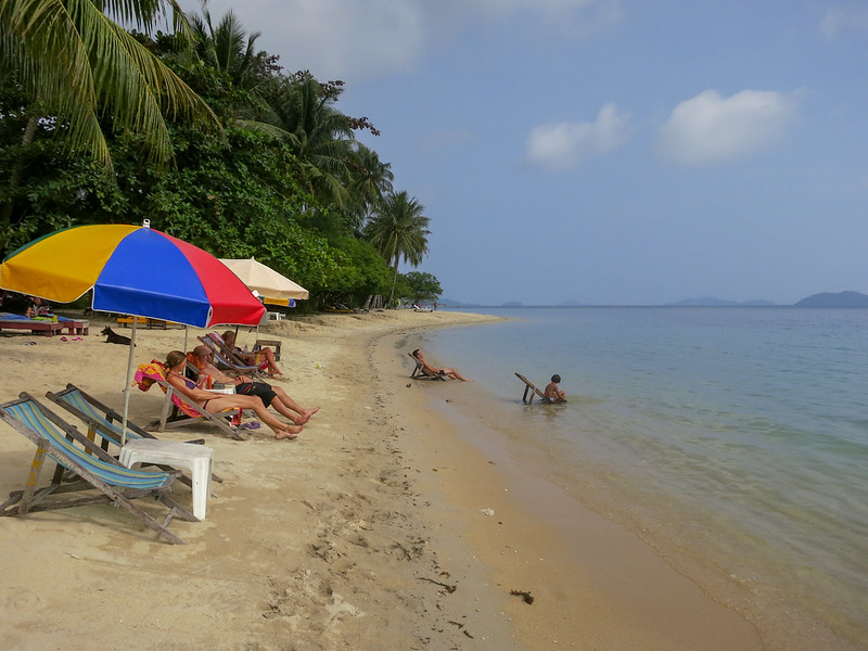 Slow living on Bang Bao beach