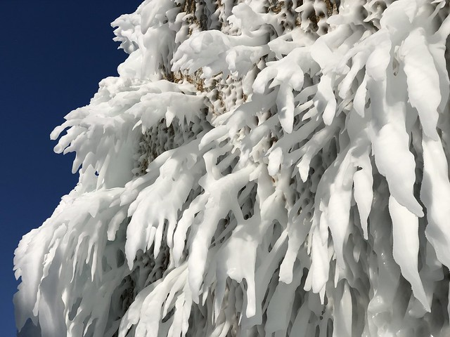 Fenómeno que sucede en el lago Baikal cuando llega el invierno