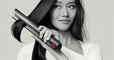Suitable for all hair types, the styling tool also features Dyson's Intelligent Heat Control for precise temperatures, together with 4-cell lithium-ion battery technology to provide cord-free usage anywhere.