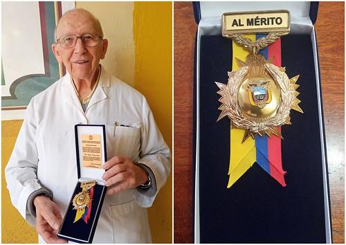 Padre Valentín, condecoración al Mérito Educativo