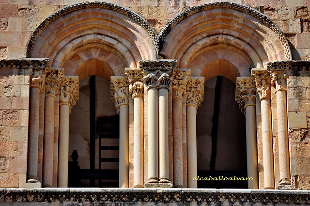 703 – Ventana - Iglesia San Esteban – Segovia - Spain.