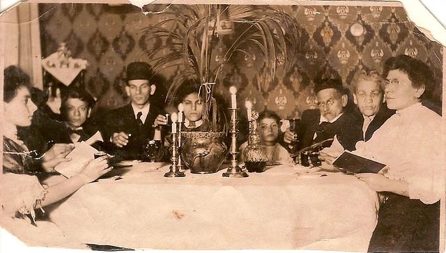Goldberg Family Seder Photo