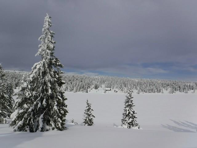 Frozen lake (904m)