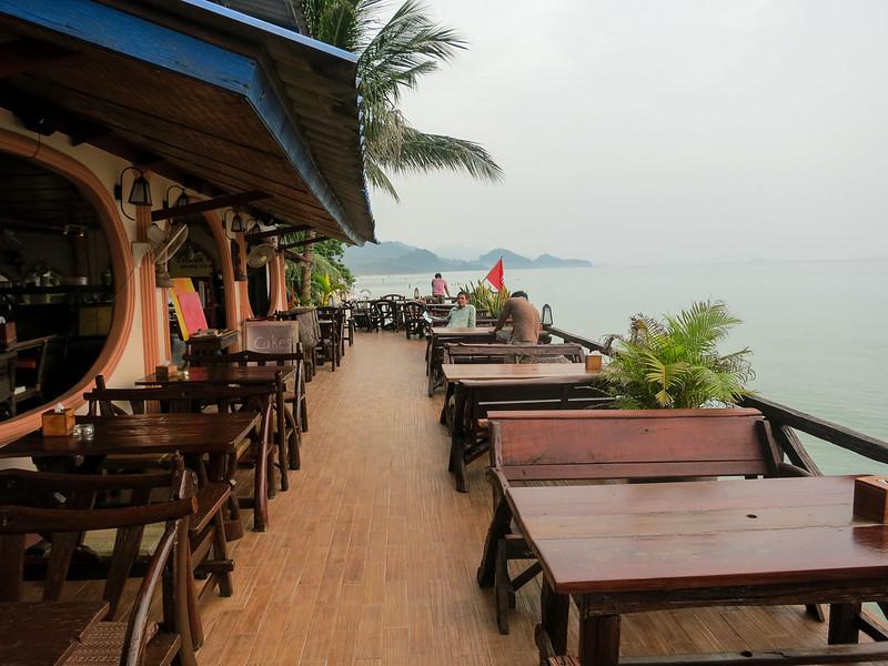 Beachfont restaurant