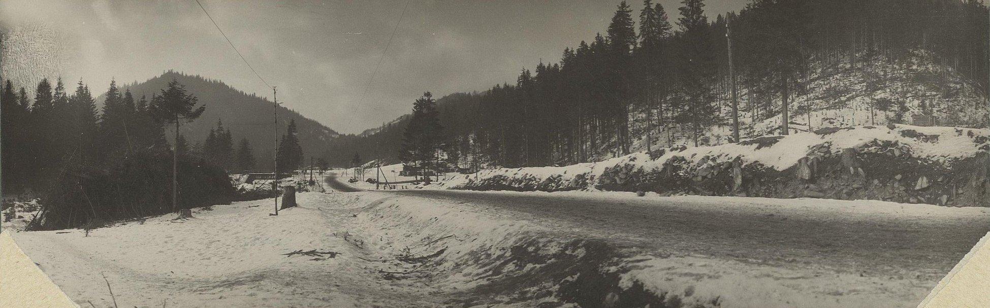 1915. Панорама Галицких гор. Дорога в местечко Яблоницы
