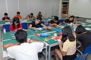 La USIL, enfocada en brindar la mejor educación con los más altos estándares internacionales, de la mano de la carrera de Arte y Diseño Empresarial, realizó con éxito un taller vivencial dirigido a escolares e interesados en formarse como profesionales capaces de emprender y gestionar su propia empresa de comunicación visual.