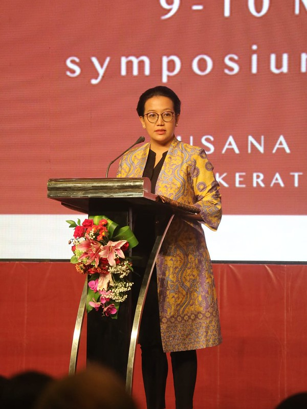 GKR Hayu sedang memberikan pidato pembukaan Simposium Internasional Kraton Jogja 2020