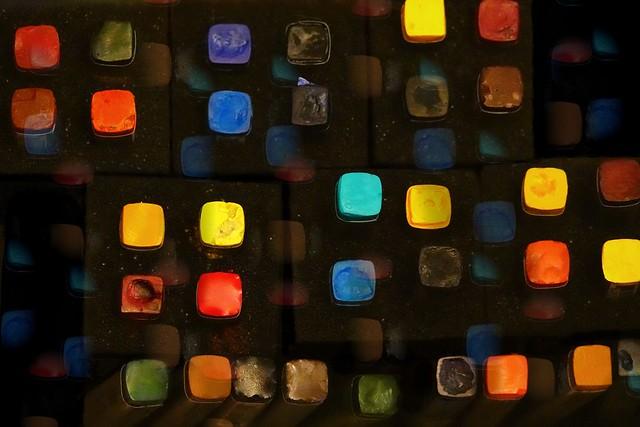 Square Colour Echoes