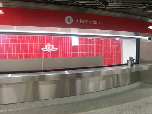 Empty information booth, Bloor-Yonge #toronto #ttc #masstransit #blooryonge #latergram