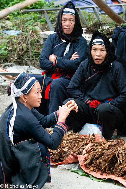 Dao Women Selling Tobacco