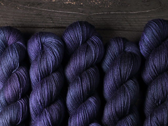Brilliance 4 Ply – British Bluefaced Leicester wool & silk hand-dyed yarn 100g – 'Midnight'