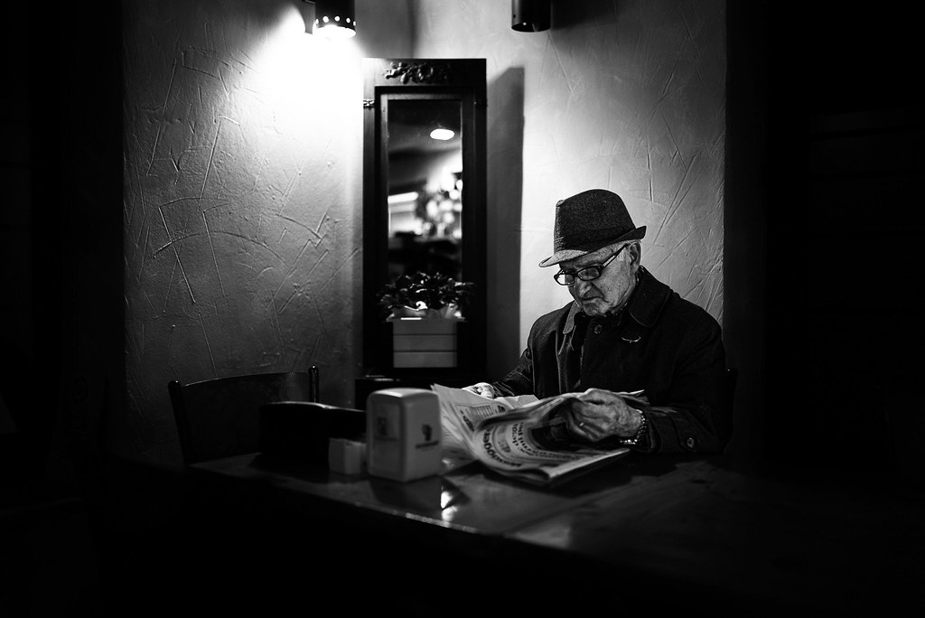 The mysterious reader