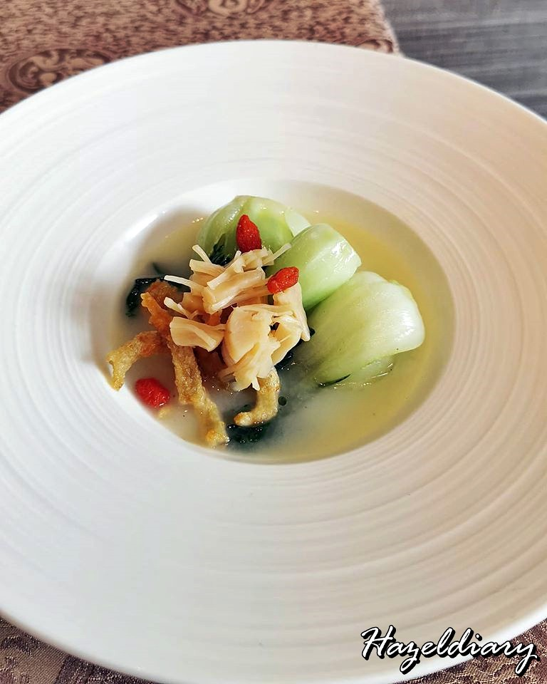 Taste Paradise-Poached Chinese Cabbage with Conpoy in Superior Stock