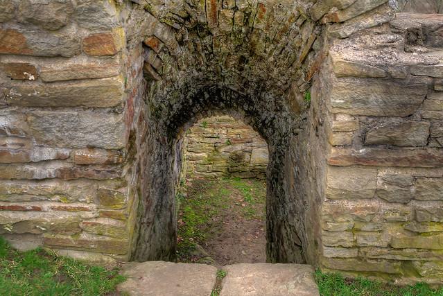 Treppe zum Keller - Ruine Isenberg Hattingen