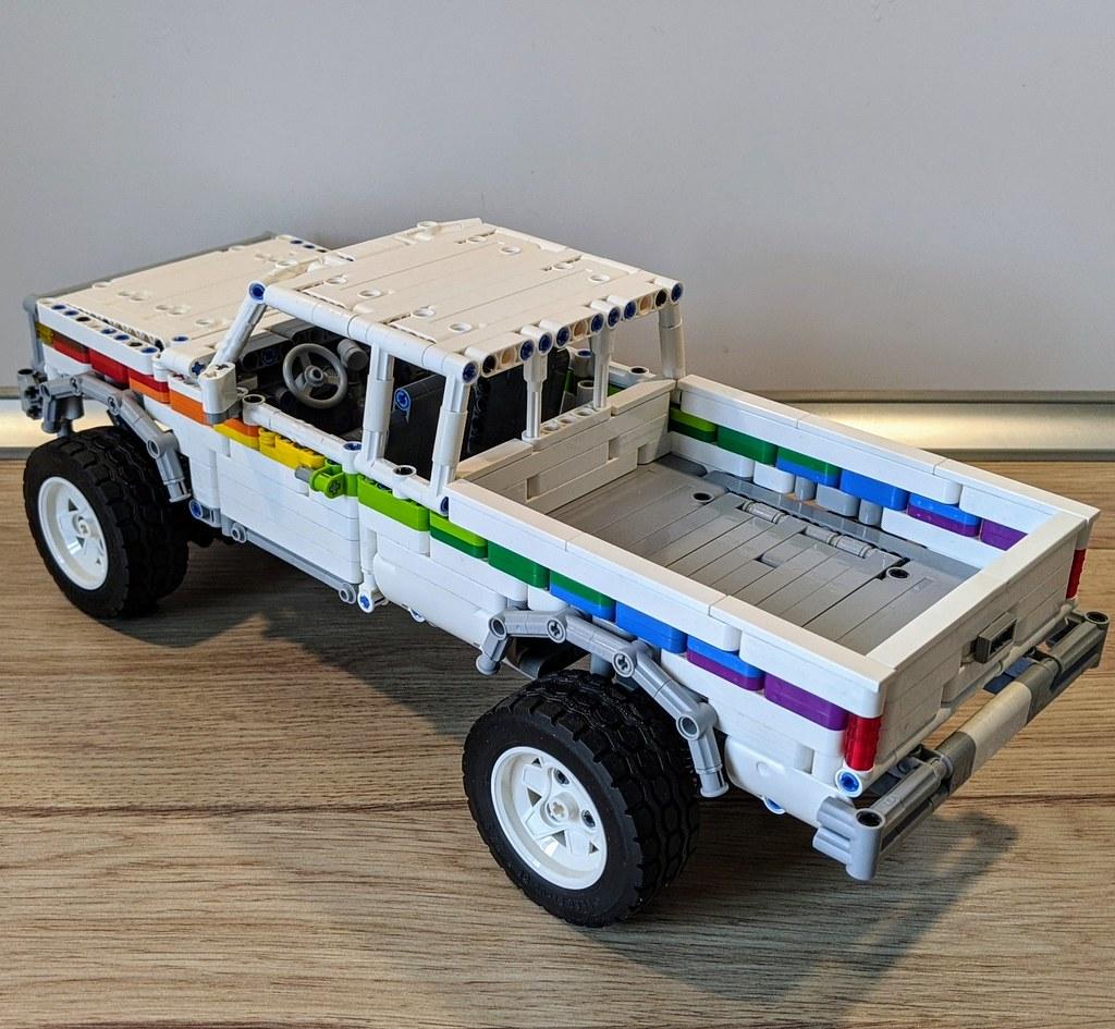 Pickup Truck 1½ Cabin
