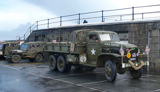 US Troop carrier GMC CCKW 6x6 Truck