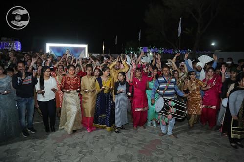 Satguru Mata Ji being welcomed by Bal Sangat Ludhiana