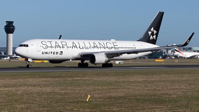 United Airlines N653UA 767-322ER EGCC 12.03.2020